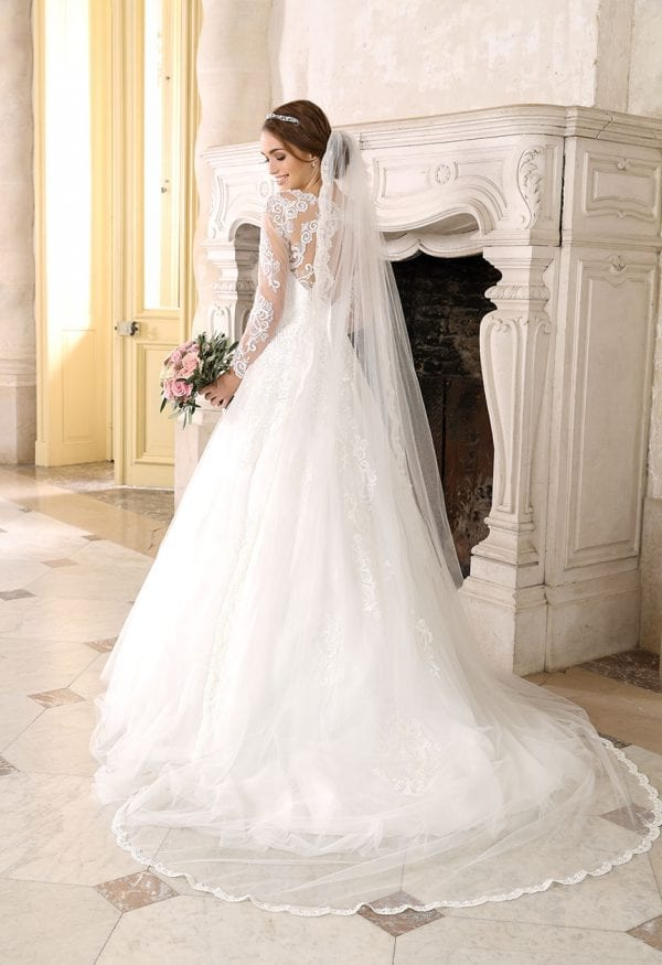 Très Chic SN9244 a-line ball gown with sleeves backside