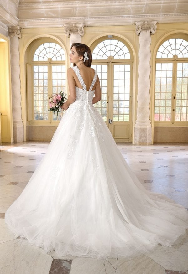 Très Chic SN9253 a-line ball gown backside