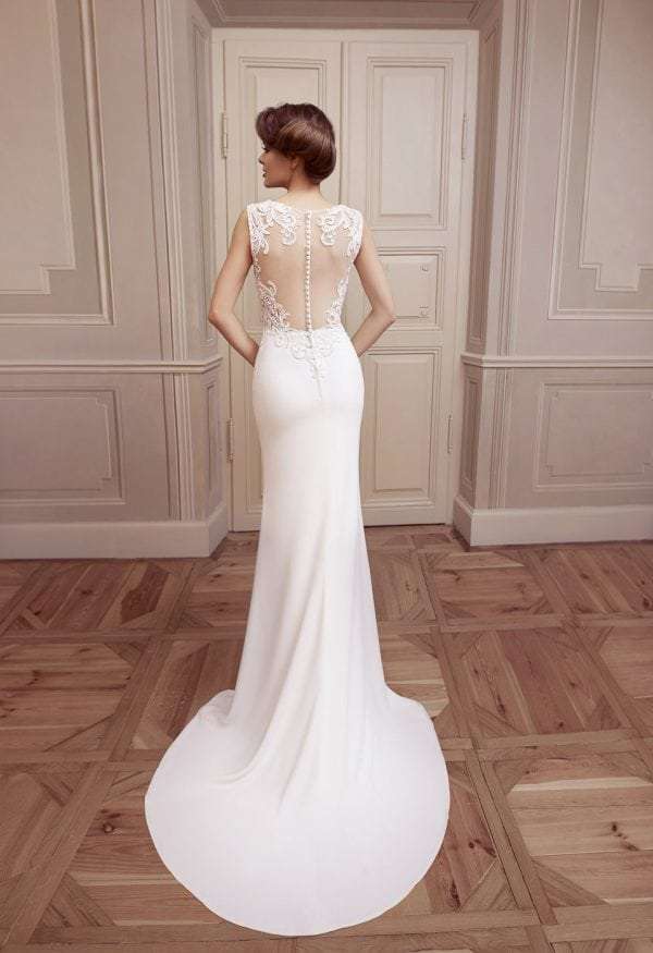 Elisabeth Grace EG9254 long casual wedding dress backside