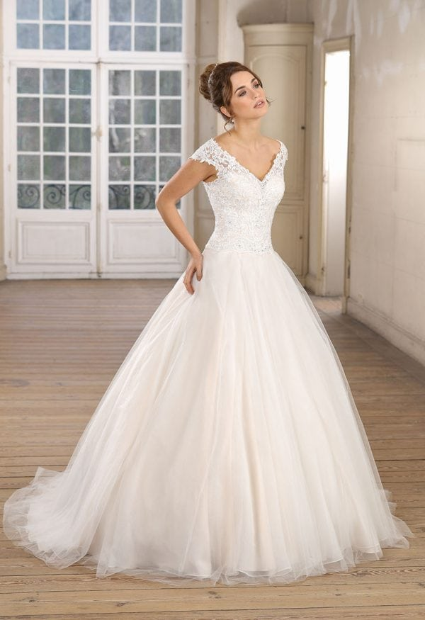 Très Chic TC9283 a-line ball gown with v-neck