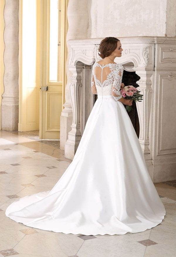 Très Chic SN9291 a-line ball gown with sleeves backside