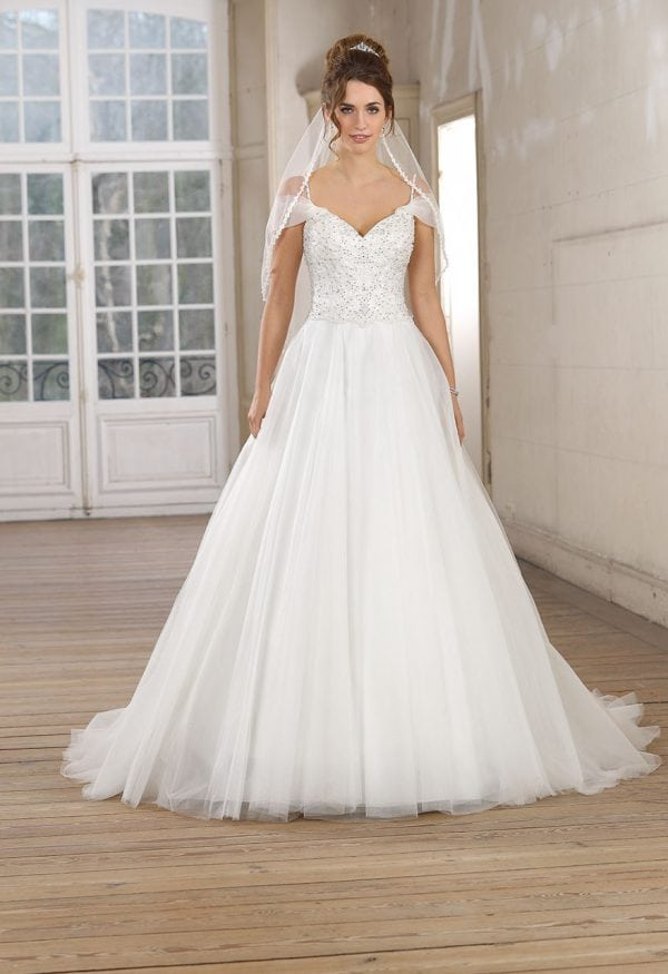 Très Chic TC9306 a-line ball gown with sleeves
