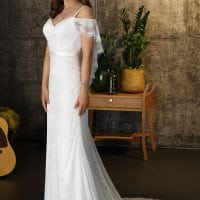 Brinkman BR9442 wedding dress Boho Chic with sleeves