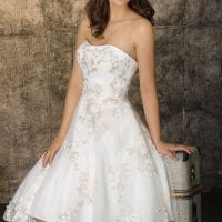 Brinkman BR9430 short a-line wedding dress ambiance picture