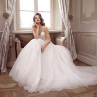 Elisabeth Grace EG9330 long ball gown ambiance picture