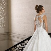 Très Chic SN9243 long a-line wedding dress ambiance picture
