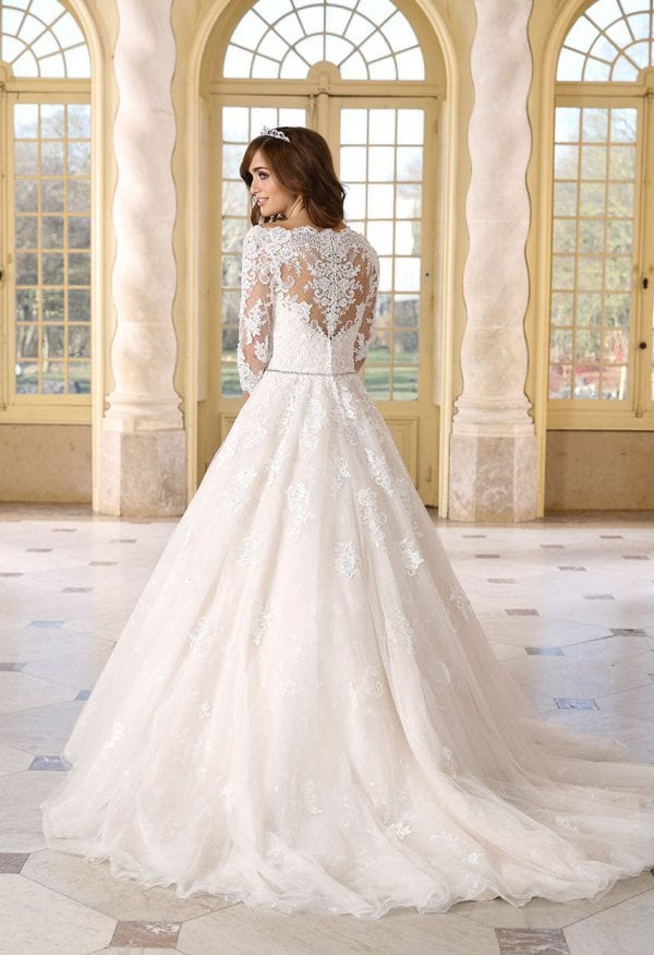 Très Chic TC9298 long ball gown with sleeves backside